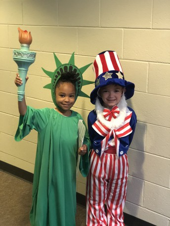 Kindergartners Celebrate the Symbols of America