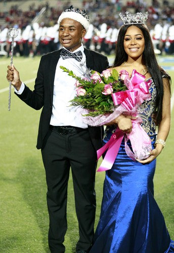 North Shore Senior High School Crowns 2018 Homecoming King and Queen