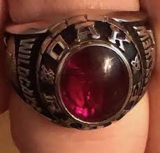 IT'S TIME TO ORDER CLASS RINGS!