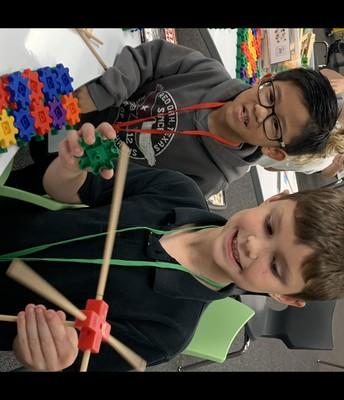 Students enjoy maker space time!