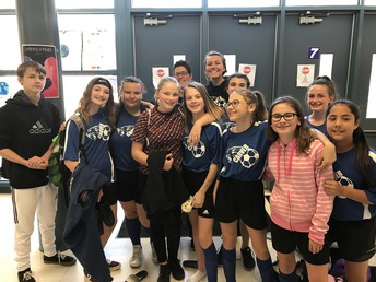 Girls Soccer prepares for a game