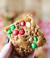 Cooking: M&M's Christmas Cookie Bars